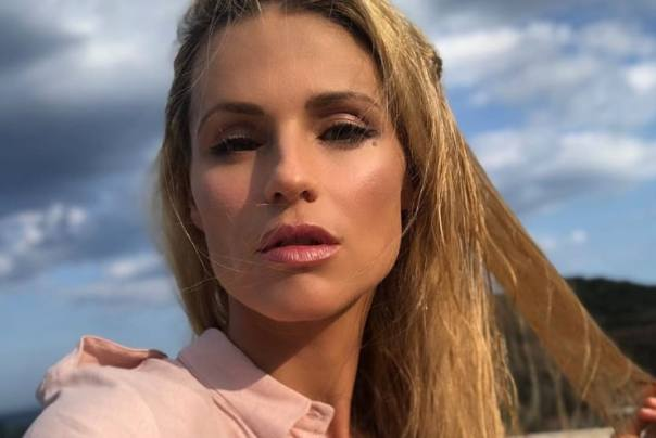 michelle hunziker cambia look