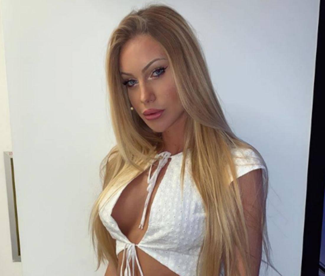 Taylor Mega ex corteggiatrice Giorgia Caldarulo bacio