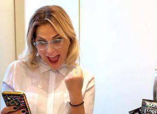 Simona Ventura zittita dal prete