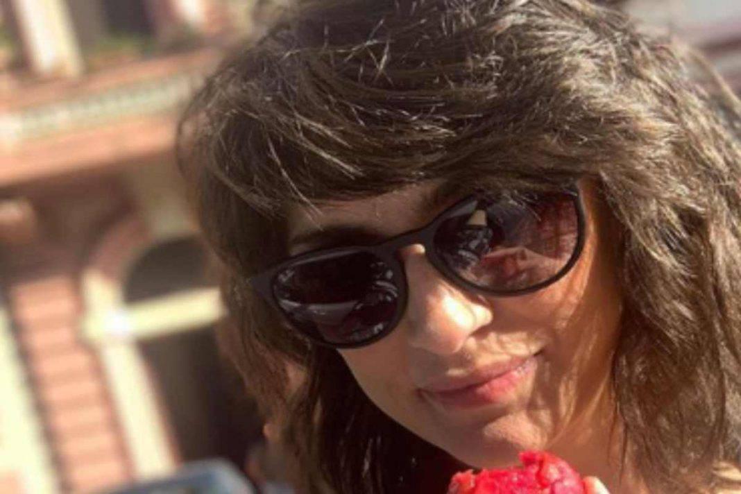 Elisa Isoardi e Raimondo Todaro mano nella mano: è amore
