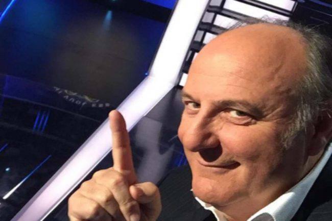 Gerry Scotti attaccato sui social: