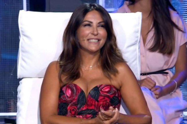 Sabrina Ferilli scollatura Tu Si Que vales