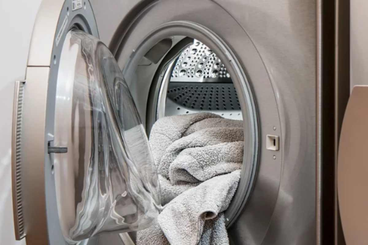 Asciugatrice, cose che non sapete: i trucchi per far profumare il bucato