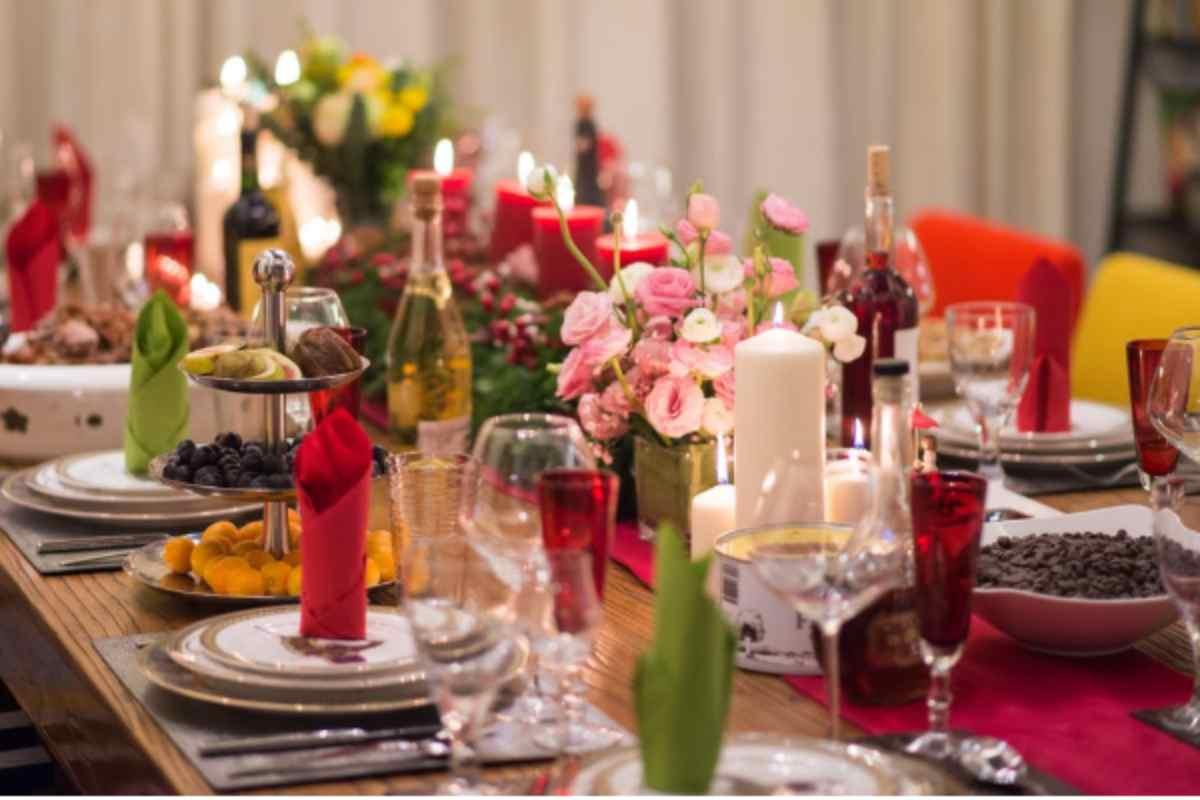 Natale, come decorare la tavola la sera del cenone: idee low cost