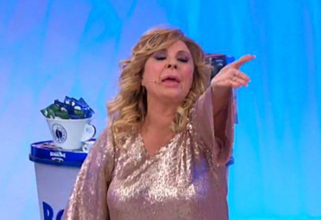 """Uomini e Donne, Tina Cipollari furiosa: """"Cinghiale di m***a"""""""