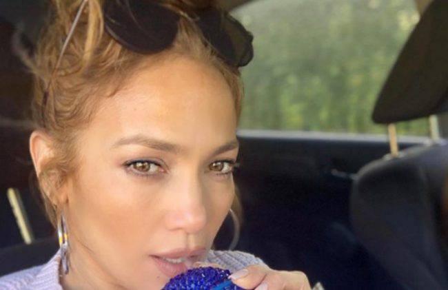 Jennifer Lopez costume