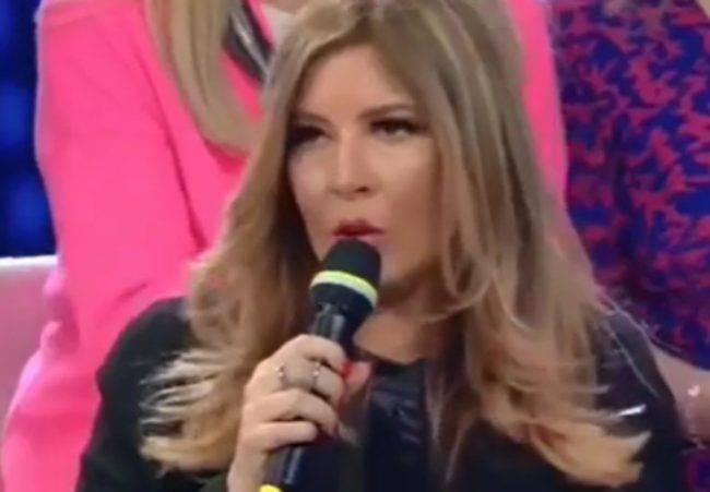 Domenica In, una signora del pubblico inveisce contro Selvaggia Lucarelli