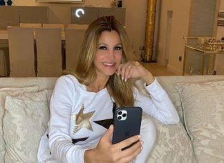 """Gf Vip, Adriana Volpe sul marito Roberto: """"Botta di gelosia esagerata"""""""