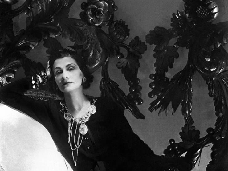 Coco Chanel, la vera storia di una delle icone del '900