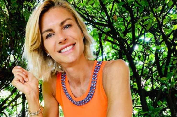 Martina Colombari, l'ex miss Italia appare sui social con un corpo mozzafiato