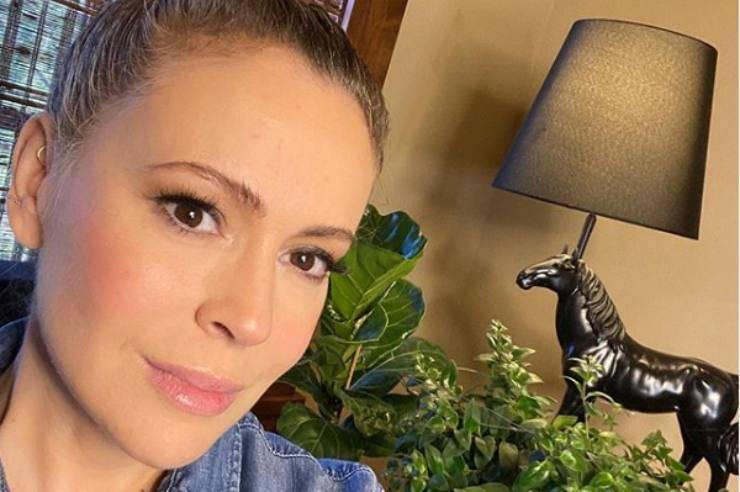 L'attrice di Streghe ha mostrato le conseguenze del Coronavirus