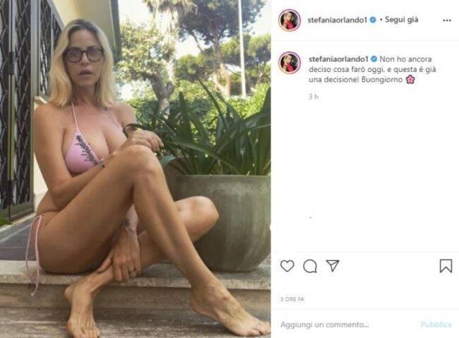 Stefania Orlando foto costume