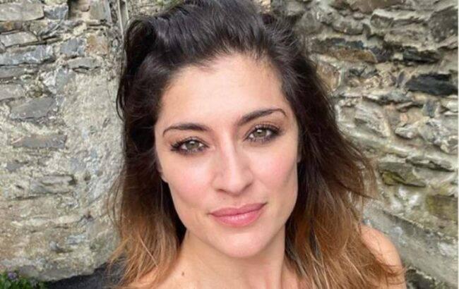 Elisa Isoardi scollatura annuncio