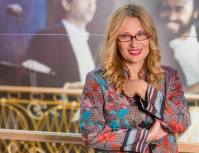 Live Non è la D'Urso, tra gli ospiti la vedova di Pavarotti, Nicoletta Mantovani: l'importante annuncio in trasmissione