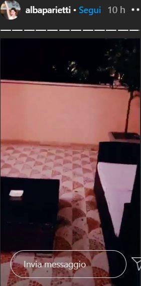Alba Parietti mostra la sua 'super' suite in albergo: che meraviglia!