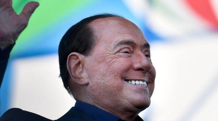 Coronavirus | Silvio Berlusconi, arriva il bollettino medico odierno: 'Parametri rassicuranti'
