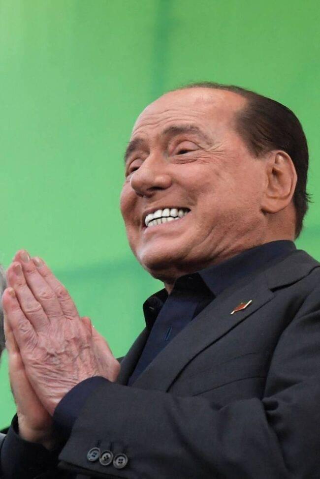 Berlusconi reazione Lario