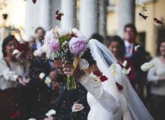 """Amatissima attrice ha detto """"Sì"""": le nozze in gran segreto per la coppia"""