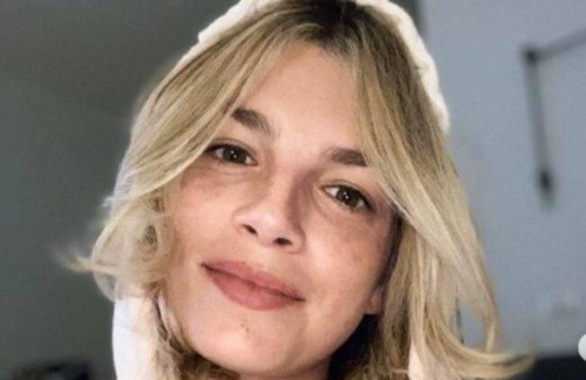 Emma Marrone specchio