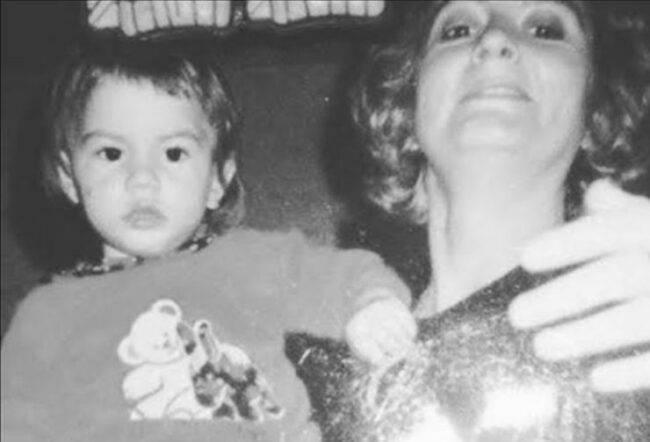 Demet Özdemir attrice bambina