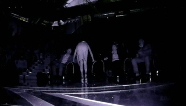 Belen Rodriguez, via la luce in tv: battuta imbarazzante di Teo Mammucar