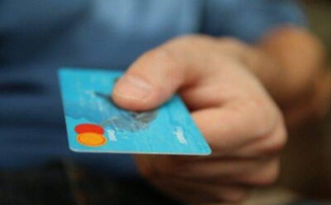 Covid, pronto il bonus di Natale: indennità da 1000 euro, a chi spetta e come funziona