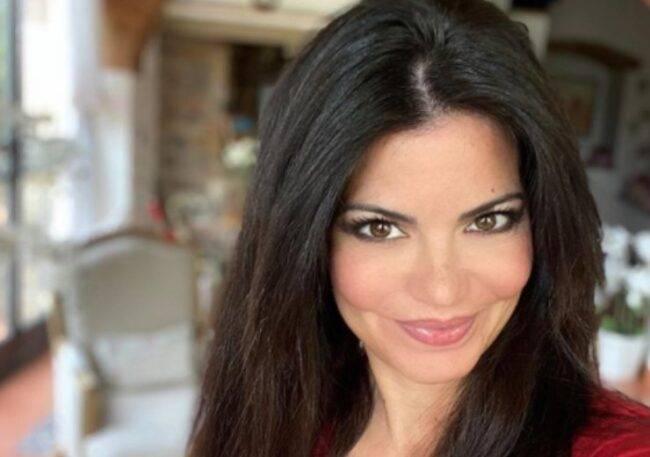 """Laura Torrisi e il dramma della sua malattia: """"Devo essere operata, soffro da anni"""""""