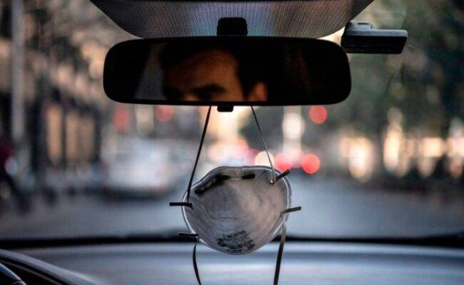 Covid, nuovo Dpcm: quando è obbligatorio l'uso della mascherina in auto o in moto