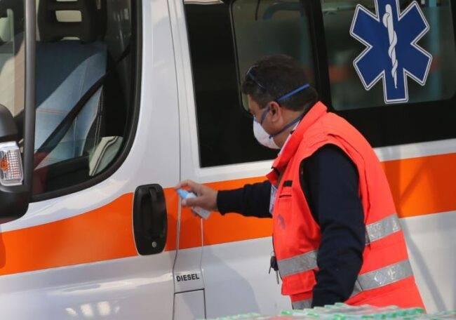 Covid, pronto soccorso al collasso: file di ambulanze e carenza di ossigeno