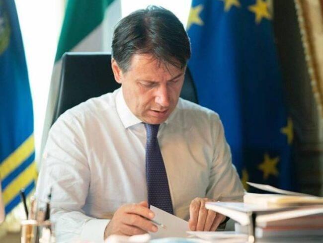 Giuseppe Conte lockdown totale