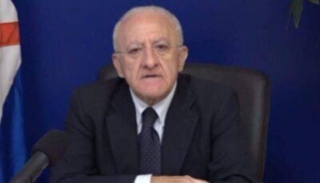 """Covid Campania, De Luca rompe il silenzio: """"Servono provvedimenti rigorosi"""""""