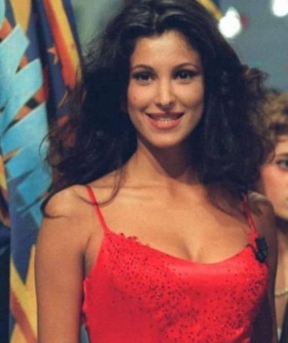 Adriana Volpe da giovane, non è bellissima?