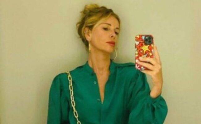 Alessia Marcuzzi, spunta una foto degli anni 80: la riconoscete?