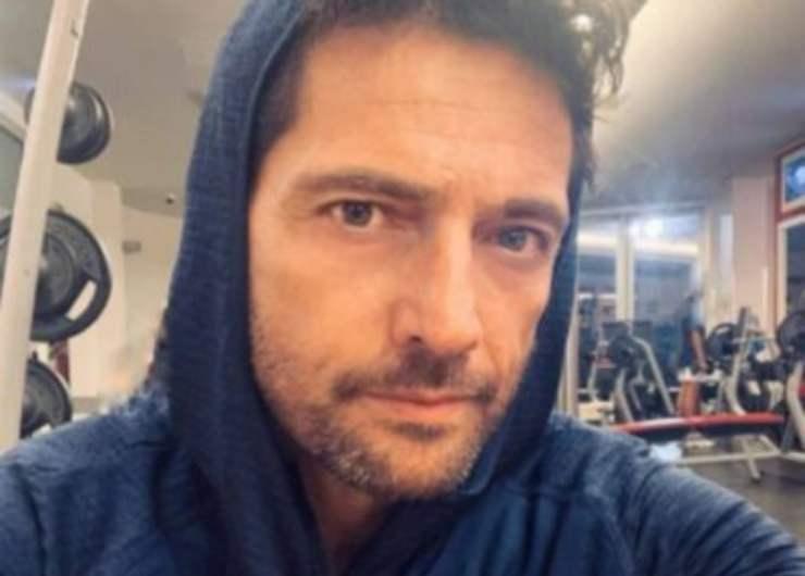 """Tragico lutto per Luca Capuano: """"Sei volata via in una giornata di sole"""", il triste annuncio social."""