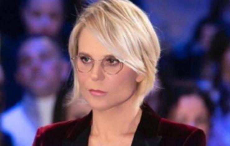 Maria De Filippi, il gesto 'particolare' per l'ex tronista: non se l'aspettava neanche lui