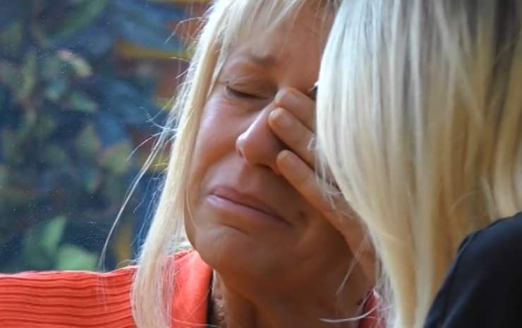 Maria Teresa Ruta in lacrime