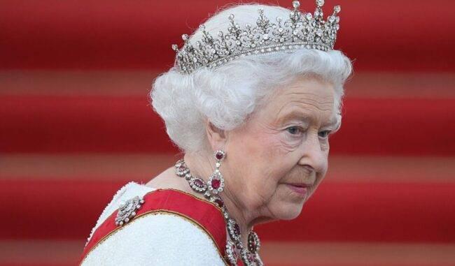 regina elisabetta vaccino