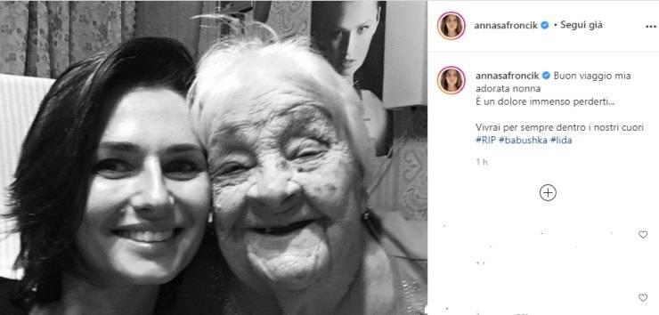 """Lutto per Anna Safroncik: """"E' un dolore immenso perderti..."""", lo straziante post pieno di dolore ha commosso i fan"""