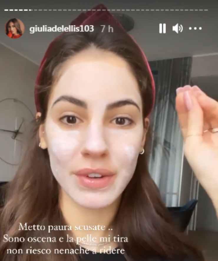 Giulia De Lellis maschera viso