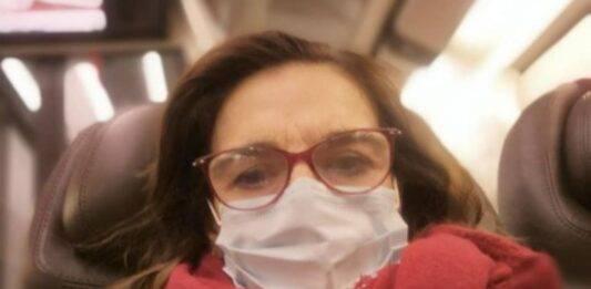 Lina Sastri, tragico lutto: 'Il Covid lo ha vinto', l'ultimo messaggio straziante