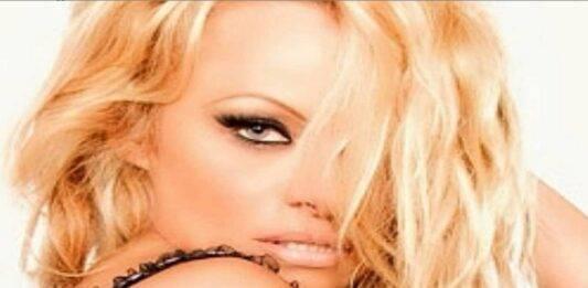 Pamela Anderson, sesto matrimonio per la star: lo ha rivelato solo adesso