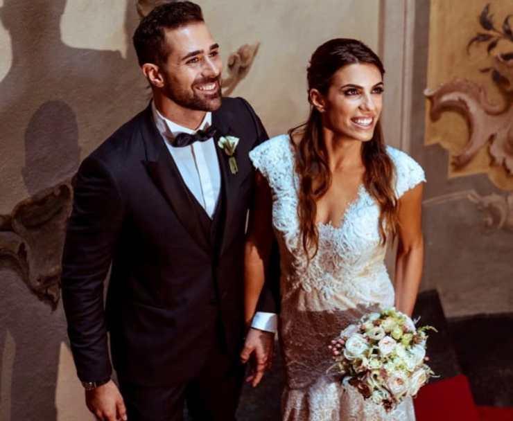 Roberto Valbuzzi, spunta la foto del matrimonio sul suo profilo social: i follower senza parole per tanta bellezza