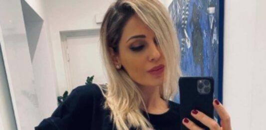 Anna Tatangelo dolorante su Instagram: il video mostra tutto, cosa è successo alla cantante