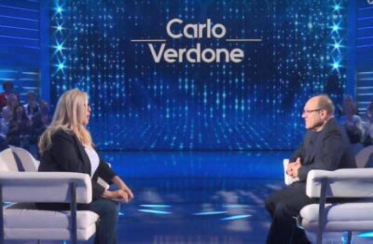 Domenica In, confessione inaspettata di Carlo Verdone durante la puntata di ieri, domenica 21 febbraio, la conduttrice si è mostrata perplessa