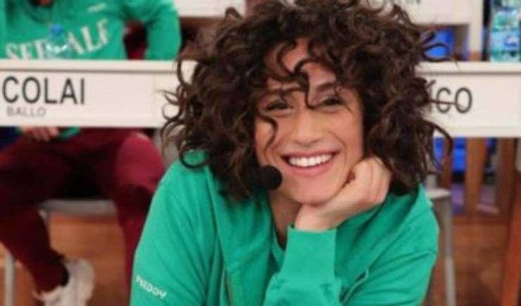 Ricordate la cantante Giulia Molino di Amici di Maria De Filippi? Oggi è totalmente cambiata, e si mostra proprio così sui social