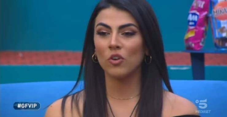 """GF Vip, """"Ma che donna sei"""": Giulia Salemi senza freni, parole al veleno per la concorrente in casa"""