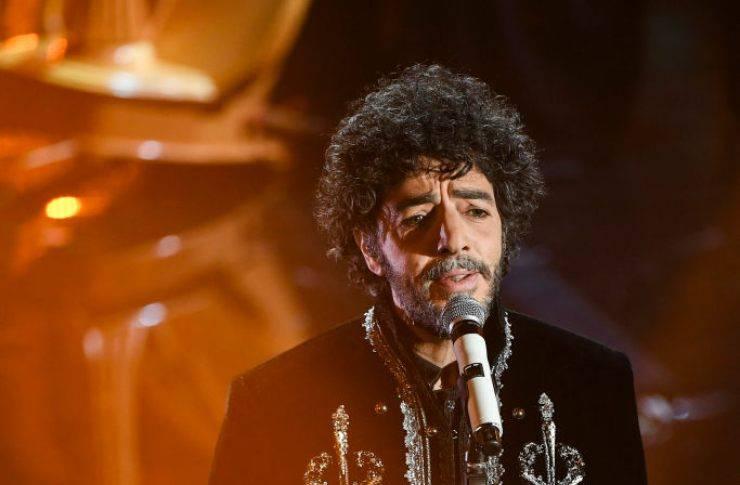 Sanremo 2021, chi è l'amato artista in gara, ovvero Max Gazzè: l'età, l'inizo della sua carriera, e il significato del brano 'Il Farmacista'