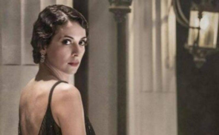 Quanta bellezza, in questo scatto era giovanissima, ma oggi è l'amata attrice della serie Il Commissario Ricciardi, ovvero la bellissima Serena Iansiti