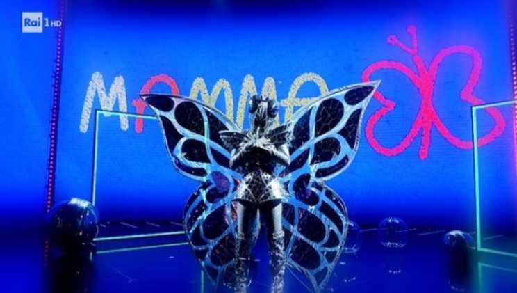 farfalla cantante mascherato