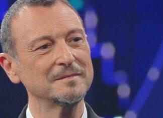 Sanremo 2021 gesto Amadeus